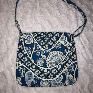 Vera Bradley messenger purse cross body